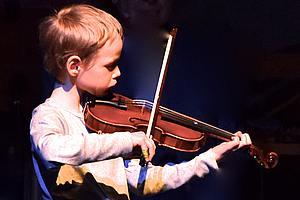 Gustav Schulze/Geige / Foto: Tim Fröhlich
