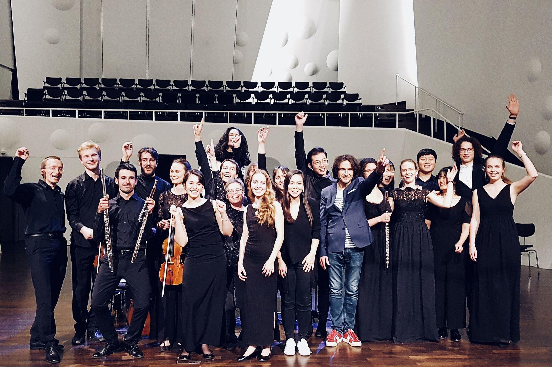 Flötenklasse Prof. Stéphane Réty im Konzertsaal der HfM