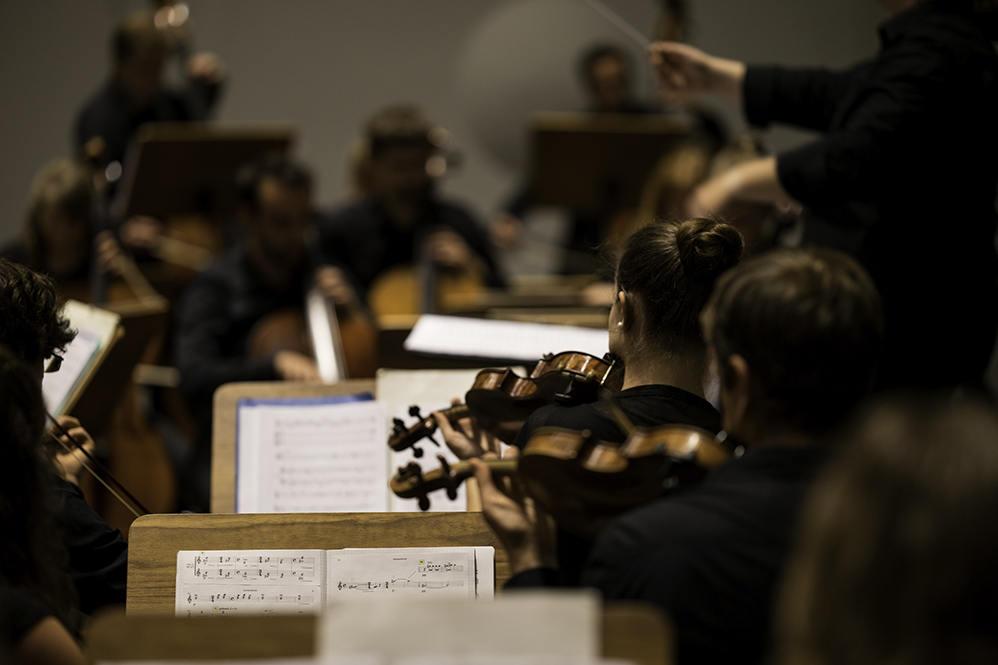 Orchester in Konzertsituation/Foto: Florian Busch
