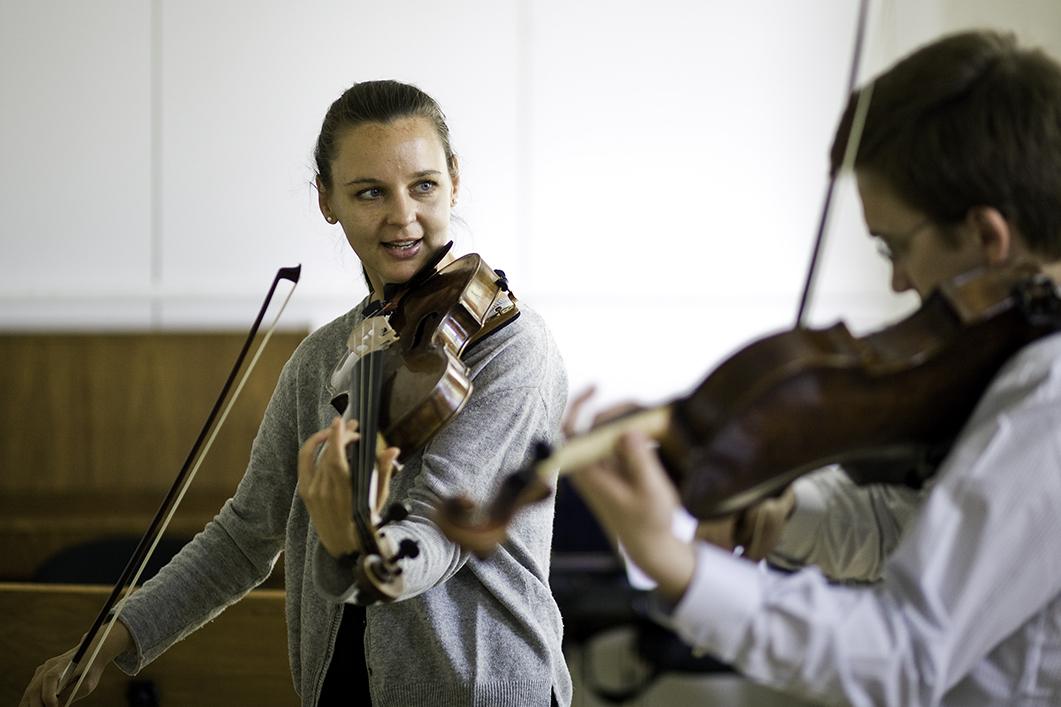 Meisterkurs Viola bei Prof. Pauline Sachse/Foto: Ronny Waleska