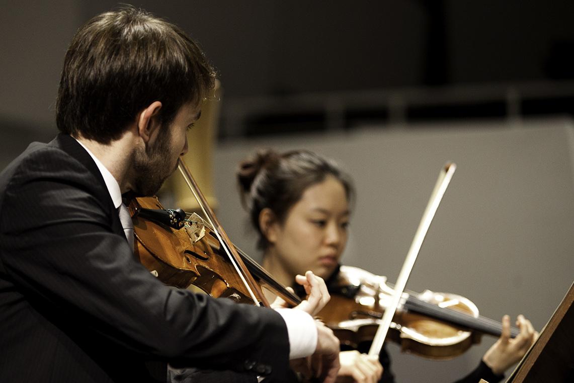 Streicher im Hochschulsinfonieorchester/Foto: Marius Leicht
