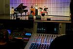 Ensemblewettbewerb 2021 Karoline Weidt Quartett: Mikołaj Suchanek (Klavier), Loreen Sima (Kontrabass), Karoline Weidt (Gesang), Valentin Steinle (Drums)/Foto: Sven Claus